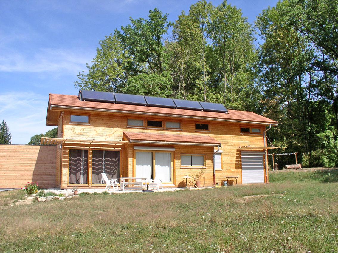 maison ossature-bois isère bioclimatisme panneaux solaires